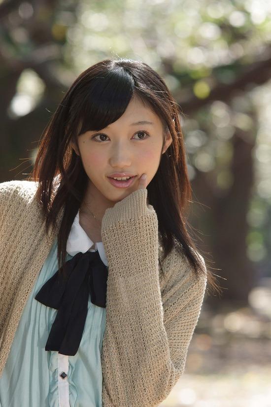 小蜜こと副島美咲9ブレザー制服画像 (4)