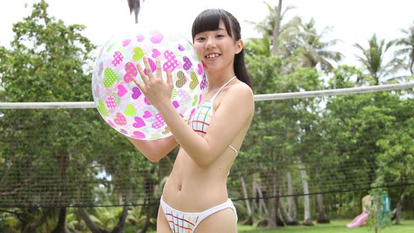 日野麻衣1女子高生制服・水着画像 (1)