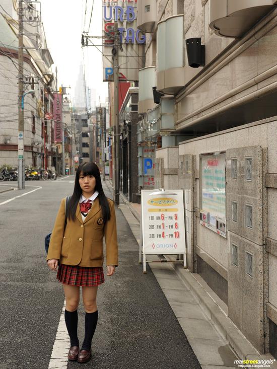 葵こはる1制服姿画像