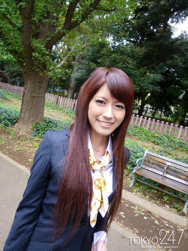 変態ドMっ娘5OL制服で公園散歩画像