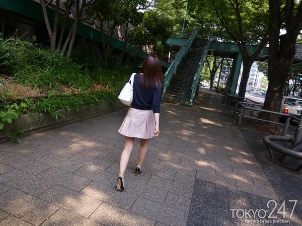 22才お嬢様ふう美女かほ7公園デートの画像 (7)