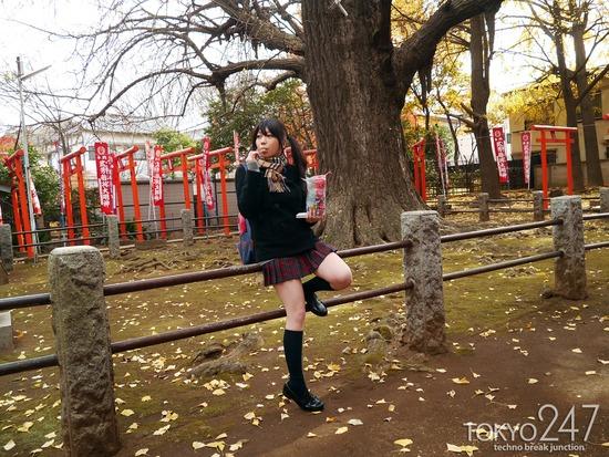 敏感少女5鬼子母神参拝画像 (1)