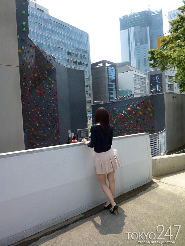 22才お嬢様ふう美女かほ7公園デートの画像 (1)