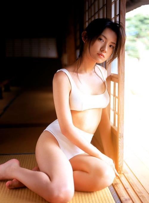 星野真里白ビキニ (4)