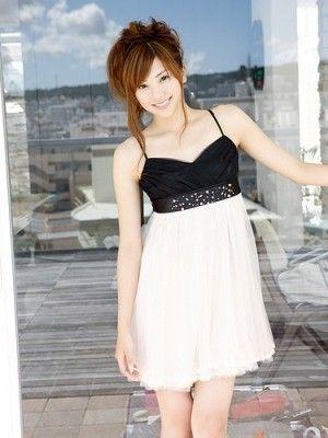 NEWS ZEROの山岸舞彩アナの美脚画像018