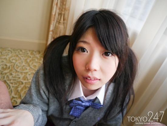 ツインテールロリ系少女9お尻丸出し画像 (1)