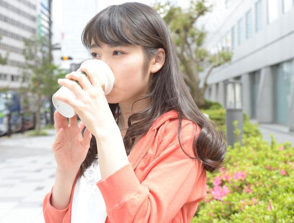 松岡茉優5スターバックス画像
