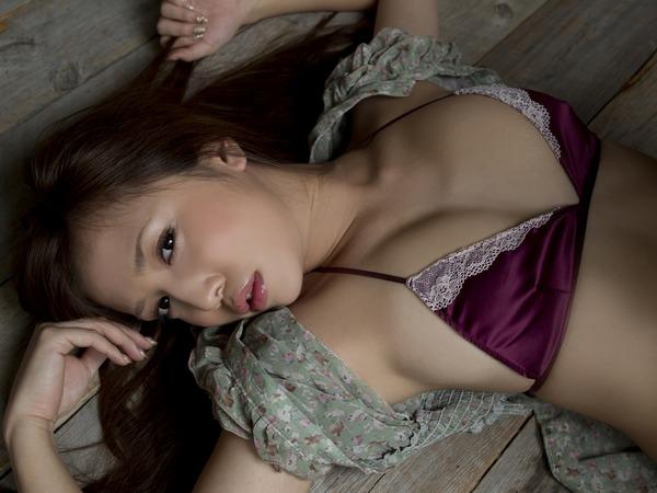 丸高愛実セクシー水着画像 (22)