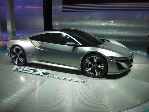 800px-Acura_NSX_at_NAIAS_2012