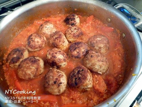 鶏のミートボールのパプリカソース煮