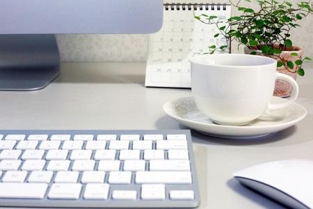 PCとコーヒー-450