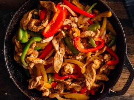 Spicy-Chicken-Fajitas-22-875x583 (2)