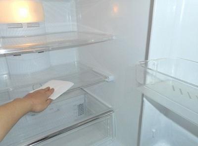 冷蔵庫の掃除-400