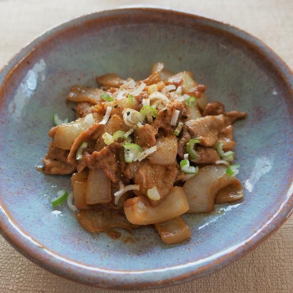 2020 05 豚肉と玉ねぎのゴマソース炒め DSC01363-2