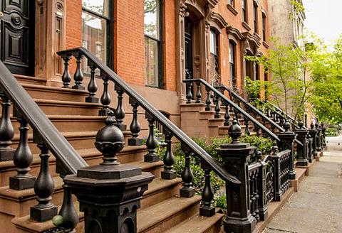 NY APT townhouse pic