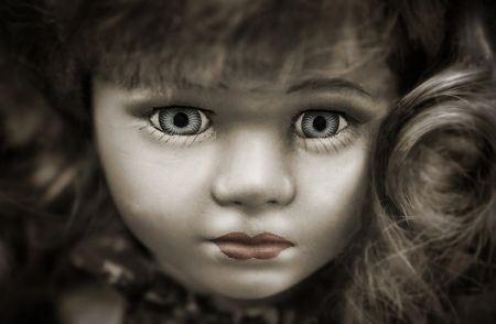 アンティーク人形の呪い