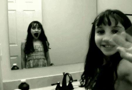 鏡にまつわる怖い話