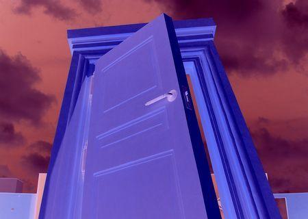 山に現れたどこでもドア