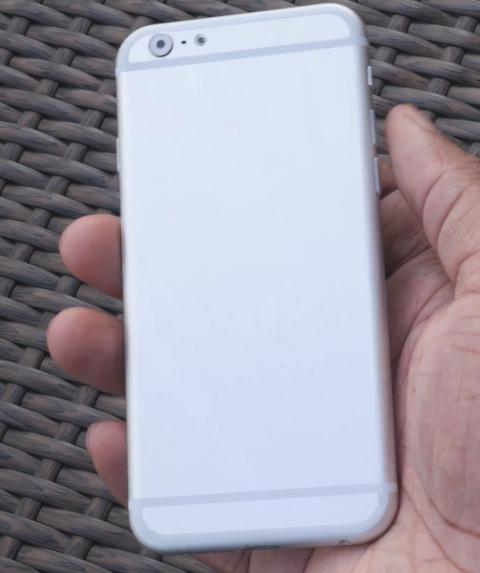 「iPhone6」の新たなモックが登場、やはり背面Dラインデザイン
