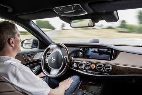 """グーグル・ベンツ・アウディ、""""自動運転"""" 自動車の公道走行認可を取得 —完全無人走行が可能に"""