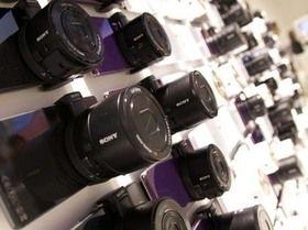 ソニー、得意のカメラ技術でアップル・サムスンに反撃開始