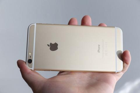 米アップル、落下中の「iPhone」の姿勢をネコのように変え本体守る特許を取得