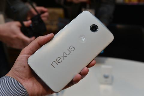 ワイモバイル、「Nexus 6」クラウドホワイトモデルを12月19日に発売