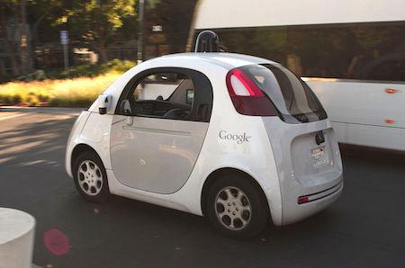 米当局、グーグルの人工知能を運転手とみなす方針を示す —自動運転車