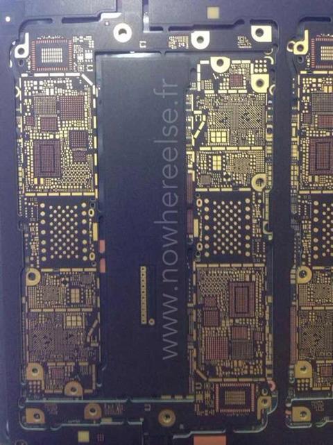 「iPhone6」の基板部品がリーク、NFCチップ・820.11acに対応
