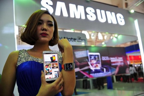 「iPhone」から「Galaxy S5」への乗り換えが210%以上の速さで増加中 —英国