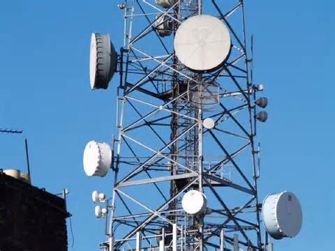 総務省が携帯会社の電波利用料軽減へ 反映はキャリア任せ、メリット還元は不透明