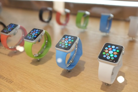 米アップル、「Apple Watch」今年最低2000万台出荷 -夏200万台/月ペース予定