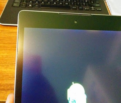 新型「Nexus 9」発売、さっそく初期不良報告相次ぐ -光漏れ・黄ばみ・発熱・背面凹凸など