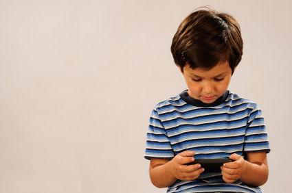 携帯電話屋「子供にスマホ・タブレットを買い与えるな」