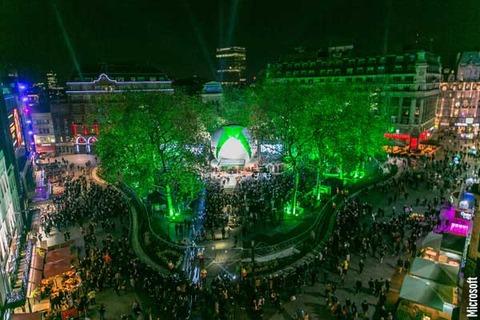 米MS、「XBox One」の大規模発売イベントを開催、数千人集まる