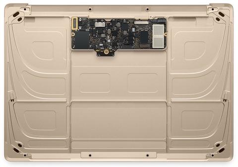 新型「MacBook」、基板サイズは「Raspberry Pi」よりも小さく、「iPhone 6」の基板のたった2倍であることが判明 -熱暴走の懸念も