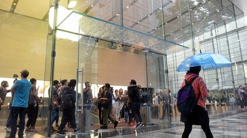「iPhone 6s」停滞で関連企業が相次ぎ下方修正、出荷台数は3割引き下げ