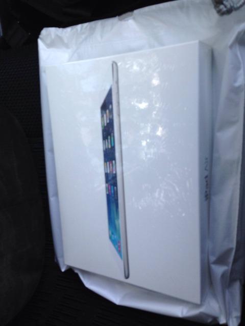 iPadAir購入者が続々報告!デザイン刷新に絶賛、初期不良報告も