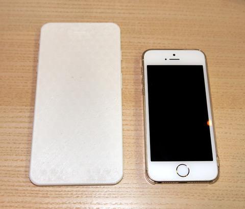 「iPhone6」を3Dプリンターで再現、5.5インチモデルはでかすぎる・・・