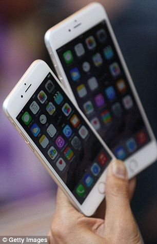 """「iPhoneは """"スパイフォン"""" 」ユーザーは秘密裏に監視され続けていると英IT専門家が警鐘"""