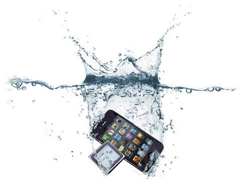 """近い将来、iPhoneを含めたほとんどのスマホが""""完全防水""""に"""