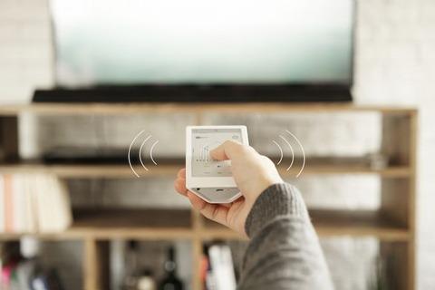 ソニー、あらゆる家電機器類を一括操作できるスマートリモコン「HUIS REMOTE CONTROLLER」を価格2万7950円で発売