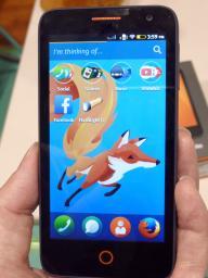 au、国内初の「Firefox OS」搭載スマホを12月下旬発売へ