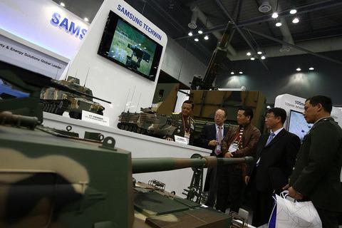 韓国サムスン電子、約2300億円の自社株買いへ -グループ事業売却も発表