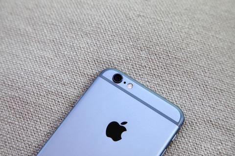 米アップル、次世代「iPhone6s」にデジタル一眼並みのカメラを搭載 -デュアルレンズシステムで実現