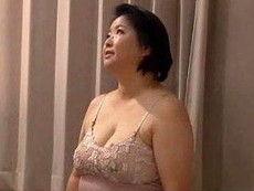 【石橋ゆうこ】 お義母さん下着姿じゃないですか!求めてるんですか?