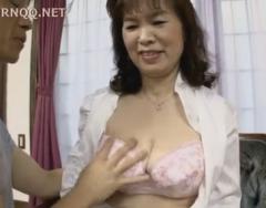 還暦過ぎの高齢熟女が初撮りセックス!
