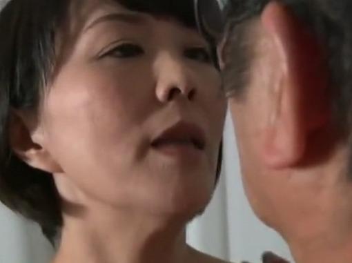 【ヘンリー塚本】嫁に覗かれ他人妻を抱く男!夫に覗かれ他人棒に乱れる女!円城ひとみ 森下美緒