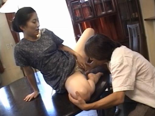 自分から股を開いて息子を誘いセックスしまくる義母