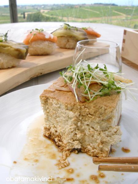 tòfu con salsa di soia e germogli